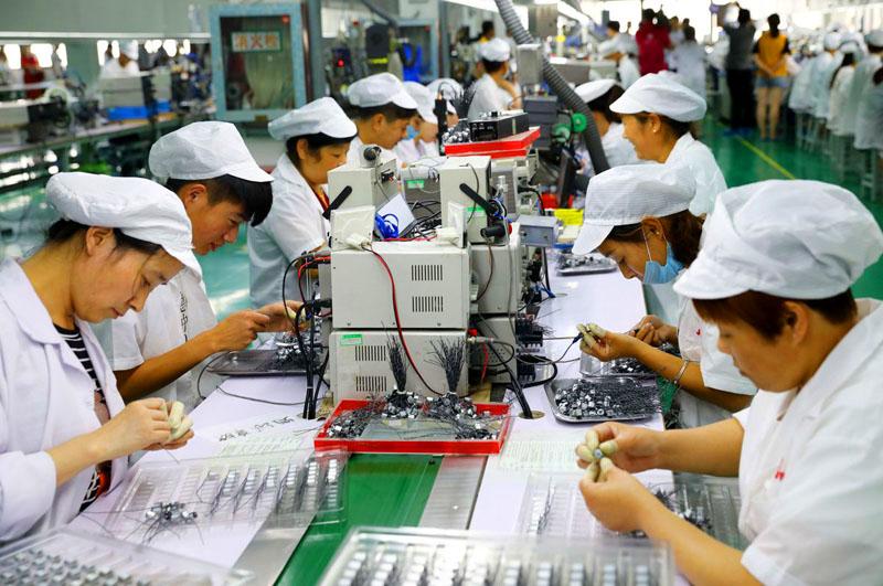 Один из многих цехов в Китае, работающий исключительно на российского потребителя