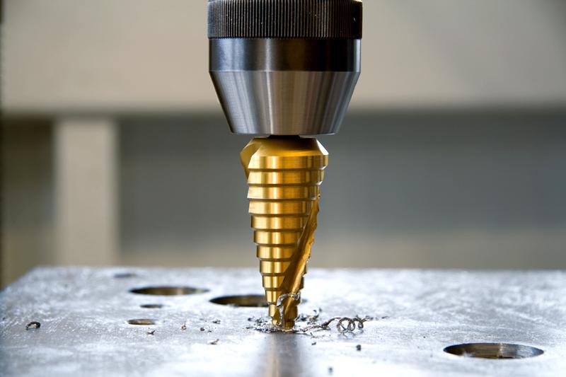 Пятимиллиметровую сталь такое сверло берёт «на ура»