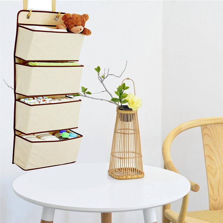 Вариант для детской – безопасные кармашки, достаточно вместительные для игрушек и книжекФОТО: ru.aliexpress.com