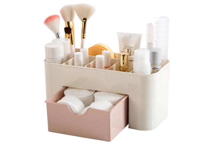 Очень удобен органайзер для хранения лаков и мелких принадлежностей для нанесения макияжаФОТО: ru.aliexpress.com