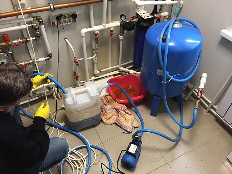 Промывка – один из способов повышения эффективность системы отопленияФОТО: irkutsk.antirzhavin.ru
