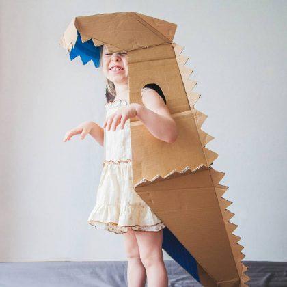 Из коробок можно сделать не только робота, но и вот такого забавного динозавраФОТО: i.pinimg.com