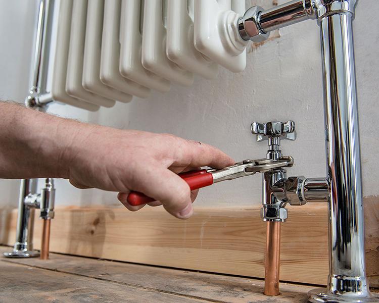 После обработки импульсами следует промывка системы водой и её опрессовкаФОТО: dickensshowrooms.co.uk