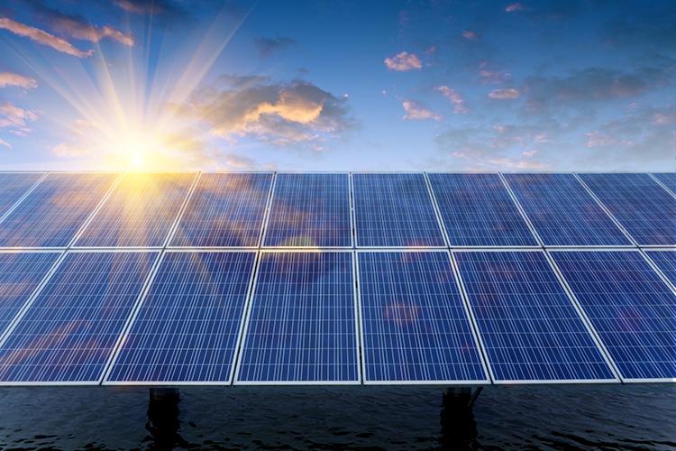 Солнечный свет помогает в выработке электроэнергииФОТО: shinesolar.com