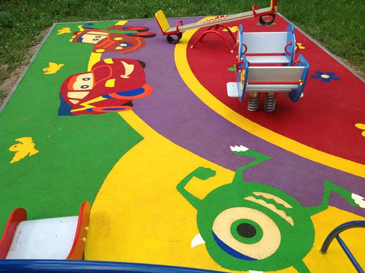 И последнее требование – покрытие должно соответствовать своим видом детской тематике. А она требует ярких красок и интересных рисунковФОТО: resi-sport.ru