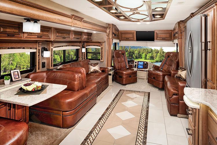 Такие авто – это практически комфортабельные квартиры, где есть всё необходимое для жизни: от санузла и кухни до телевидения и мебелиФОТО: 100vagonov.com