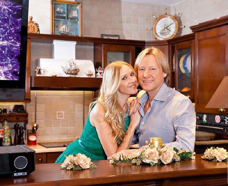 ФОТО: 1olestnice.ru Кухню украшают сувениры в морской тематике: ракушки, часы в виде штурвала, миниатюрные макеты кораблей