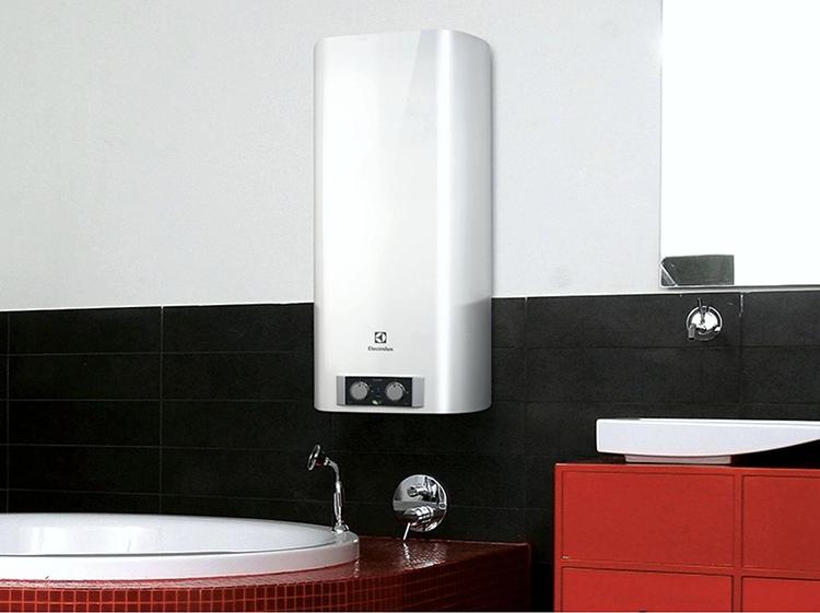 Электрические накопительные водонагреватели могут монтироваться в различных помещенияхФОТО: keramis.com.ua