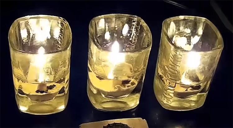 Свечи практически догорели, хотя масла в них хватит ещё на пару часов «работы»ФОТО: youtube.com
