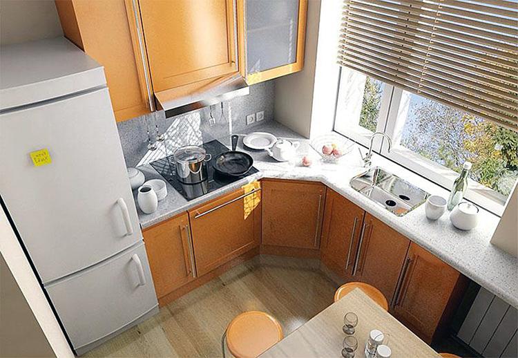 Прекрасное расположение мебели в маленькой кухнеФОТО: yandex.kz