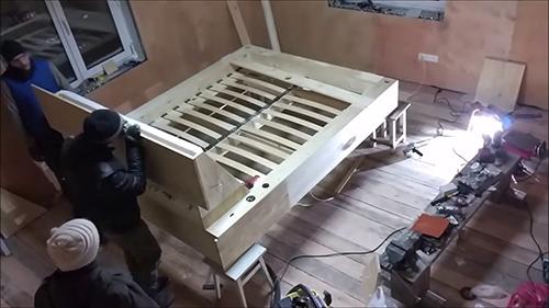 Совет от столяра - делаем роскошную кровать из дерева