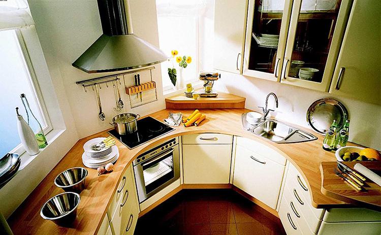 Вот эту кухню можно назвать практически идеальной, непонятно лишь, где холодильникФОТО: 1000remontov.ru