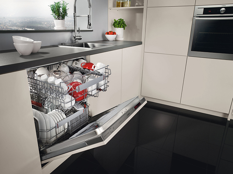 Встраиваемые гармонично вписываются в кухонный гарнитурФОТО: mik-mebel.com