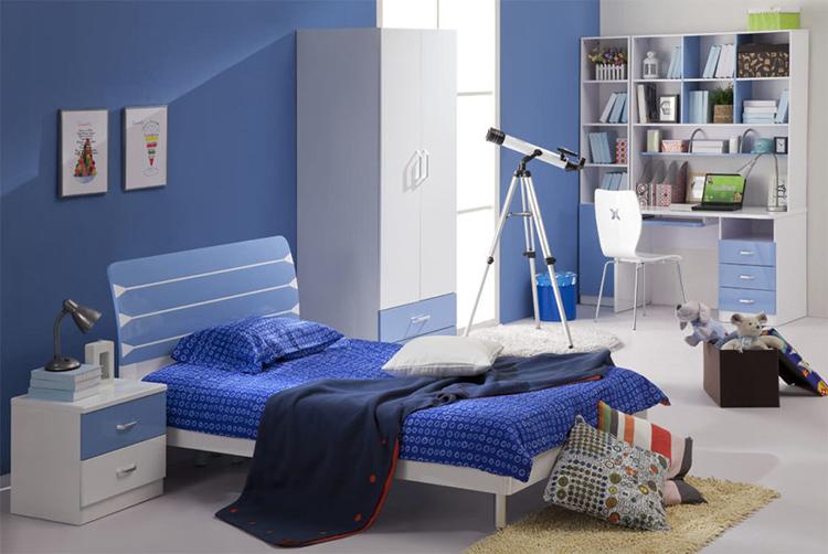 Интерьер в голубых тонах — неплохое решение для комнаты мальчика-подросткаФОТО:dizayn-kids.ru