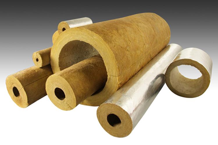 Продаётся этот утеплитель в плитах, цилиндрах и рулонах. Материал уже может быть защищён с одной стороны фольгойФОТО: ecotherm.bg
