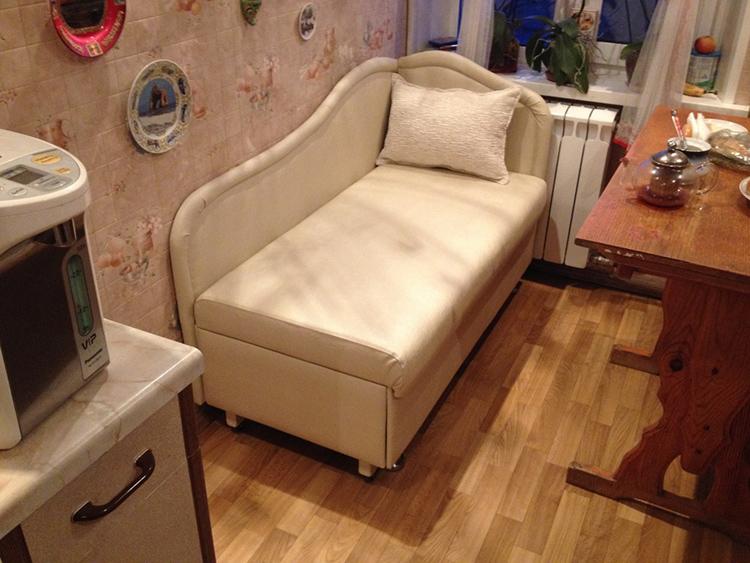 Выбирать кушетку нужно с учётом габаритов помещенияФОТО: мягкая-мебель-оптом.рф
