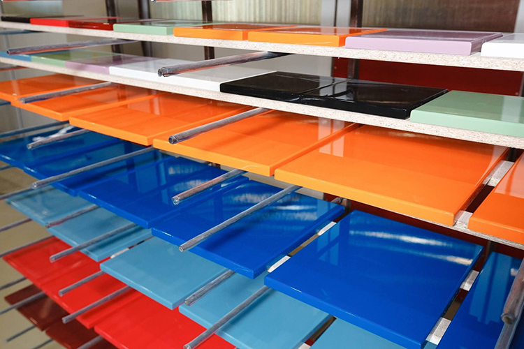 Последнее время в тренде чистые цвета, которые станут ярким акцентом в дизайнеФОТО: dcfixbrand.com