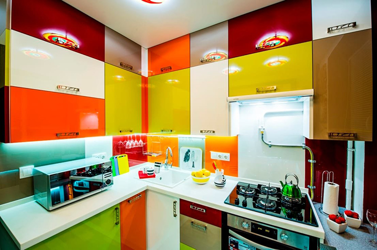 Не каждый сможет долго выдержать столь резко выраженные цветовые перепадыФОТО: yandex.ua