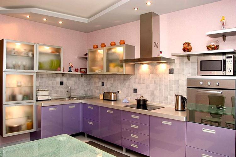 А вот такие мягкие, умиротворяющие оттенки будут успокаивать хозяйку во время работы на кухнеФОТО: remontt.net