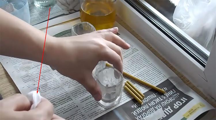 Чем чище стекло, тем ровнее будет свет, падающий на стеныФОТО: youtube.com