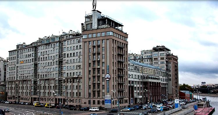 Элитный дом на Берсеньевской набережнойФОТО: voskr-news.ru