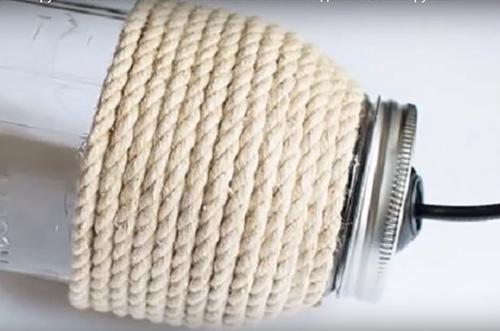 Оригинальная люстра своими руками из бросового материала