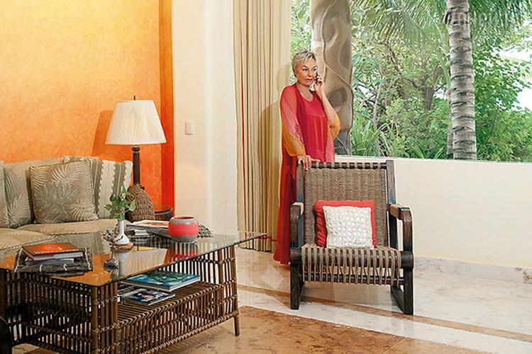 Практически вся мебель в доме изготовлена из ротангаФОТО: figvam.ca