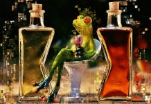 Как 4 склянки превратить в роскошную вещь, которую не стыдно подарить приличному человеку