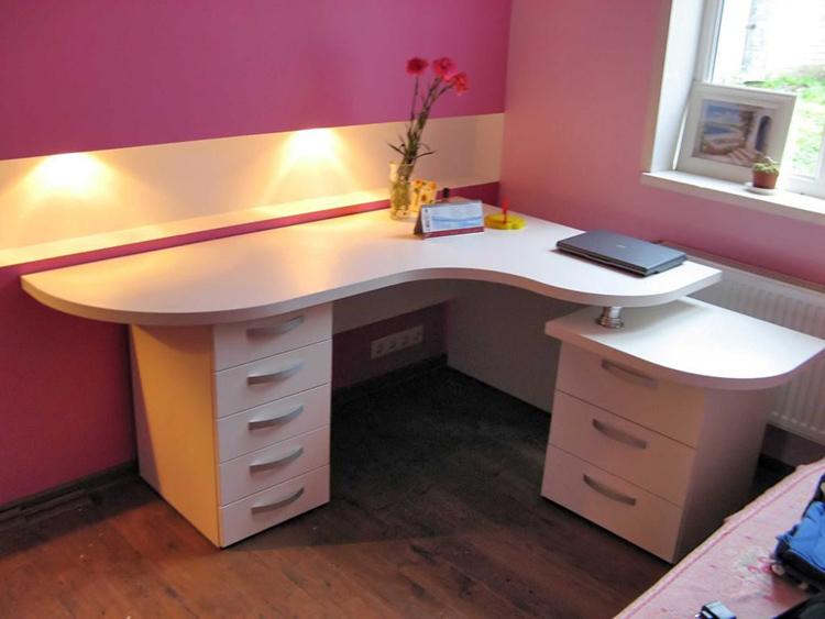 Двухтумбовый стол с вместительными ящикамиФОТО: dizajngid.ru