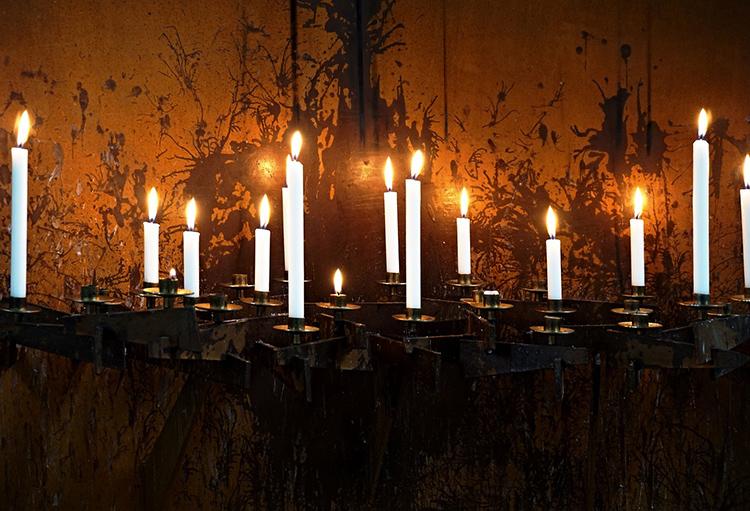 А после были свечи ФОТО: cdn.pixabay.com