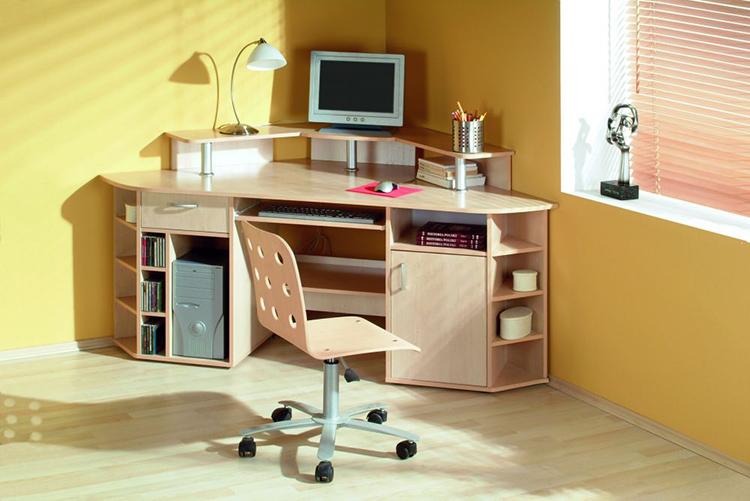 Стол с трапециевидной рабочей поверхностьюФОТО: plmeble.pl