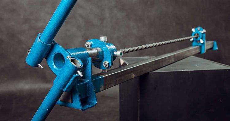 Стильный шампур, замысловатая ограда, эффектная рукоять меча – лишь малая толика изделий, создаваемых при помощи Твистера