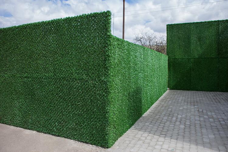 Зелёная оградительная сетка – самый популярный вариант