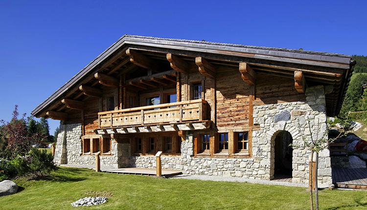 Если говорить о камне, то он никогда не подводит строителей, и примеров тому очень много в сохранившихся исторических зданиях, которым не один векФОТО: feepourvous.com