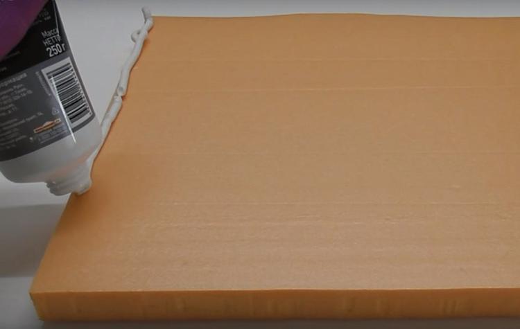 Клеить пеноплекс можно жидкими гвоздями или любым другим монтажным клеем