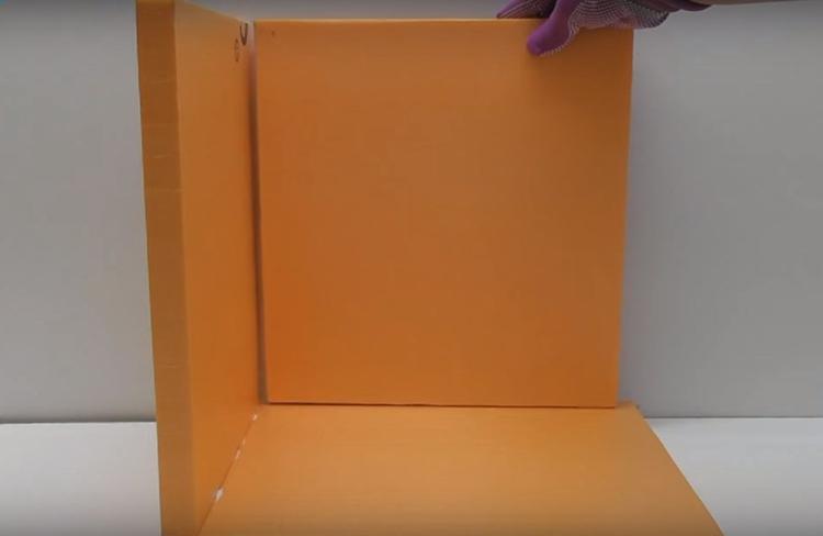 Разрежьте пеноплекс на 7 прямоугольников и склейте из них короб. Можно для надёжности добавить несколько саморезов