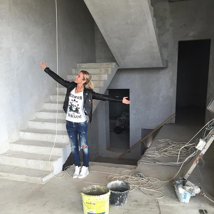 Ольга Бузова контролировала весь процесс строительства