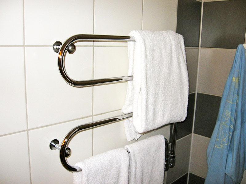 Из-за компактных размеров, которые приводят к необходимости разворачивать ткань, вы вряд ли сможете просушить свыше двух-трёх полотенец за раз