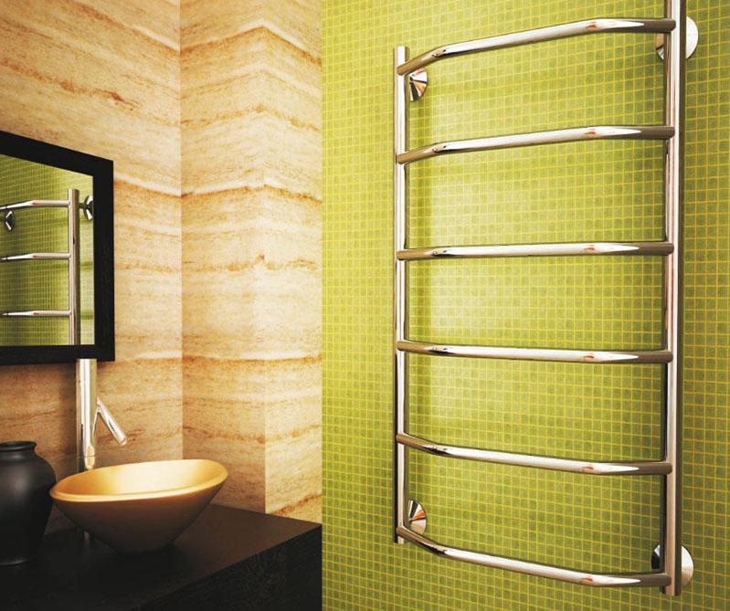 В некоторых случаях подобные устройства выбирают даже для жилых комнат или коридора: вряд ли кому-то помешает дополнительная вешалка