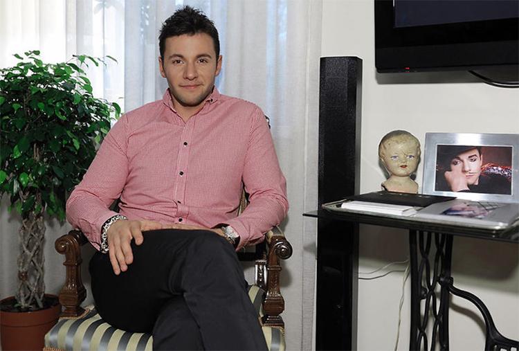 В гостиной поставили оригинальный столик из швейной машинки «Зингер» ФОТО: 7days.ru