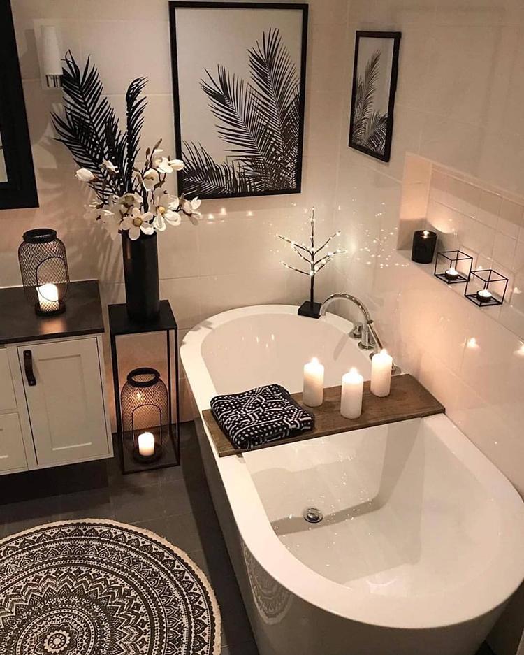 Светлая ванная в европейском стиле