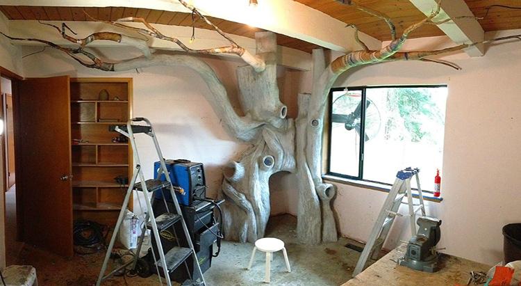 Неоднородность дерева была создана с помощью специальных инструментов для обработки глины