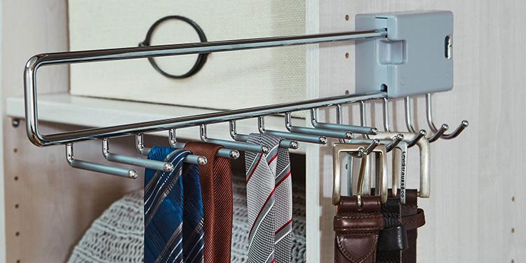 Удобное приспособление для хранения галстуков и ремней