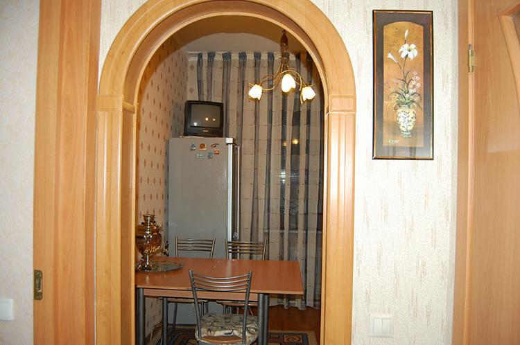 Арка вместо двери это красиво, но она открывает свободный проход запахов и звуков в жилые помещения