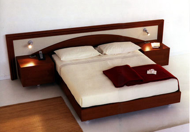 Дополнительные функции кровати довольно полезны. Однако такие модели стоят несоизмеримо дороже, их самостоятельное изготовление намного сложнее