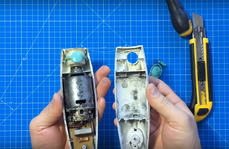 Чтобы разобрать корпус, нужно сначала снять управляющие кнопки. Они обычно выполнены из мягкой резины, а под ними кроется переключатель, который легко открутить отвёрткой. Приготовьтесь к тому, что форма болтов может оказаться необычной, в этом случае пригодится набор сменных насадок на отвёртку