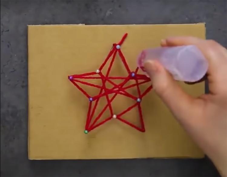 Направляйте нитку не только по контуру, но и по центру