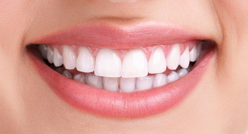 Профессиональный уход за полостью рта в домашних условиях