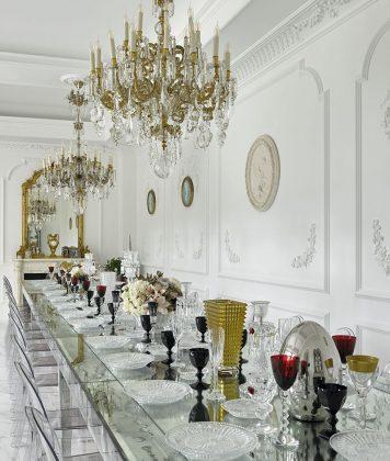 Жаркая битва: дворец Евгения Плющенко vs дом Этери Тутберидзе