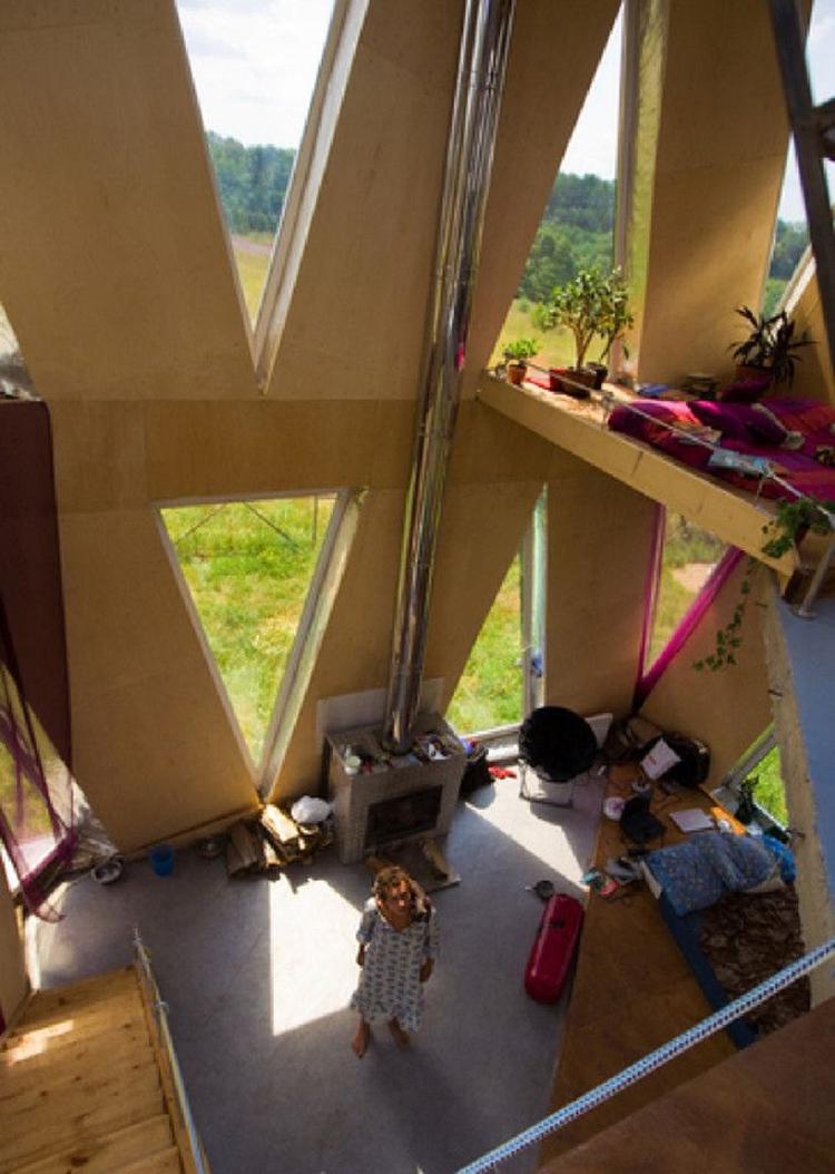 Уникальный «живой» дом-кубик Юлии Чичериной